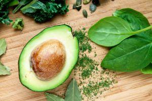 Reduce el riesgo de padecer enfermedades cardíacas comiendo aguacate