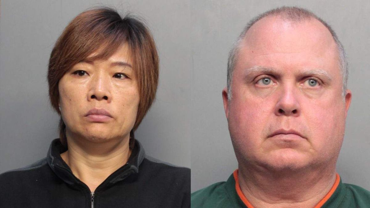 Yaoying Lin y Clifford Oxios tienen ambos 52 años.