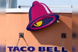 Empleados de Taco Bell en Texas ayudan a salvar a familia de accidente de auto