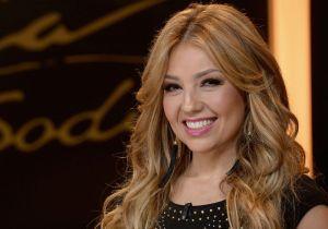Thalía muestra los piernones y dice sentirse muy sexy