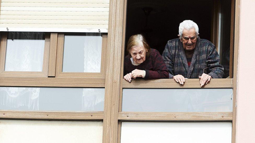 Coronavirus: el horror que se vive en algunas residencias de ancianos de España por la crisis de covid-19