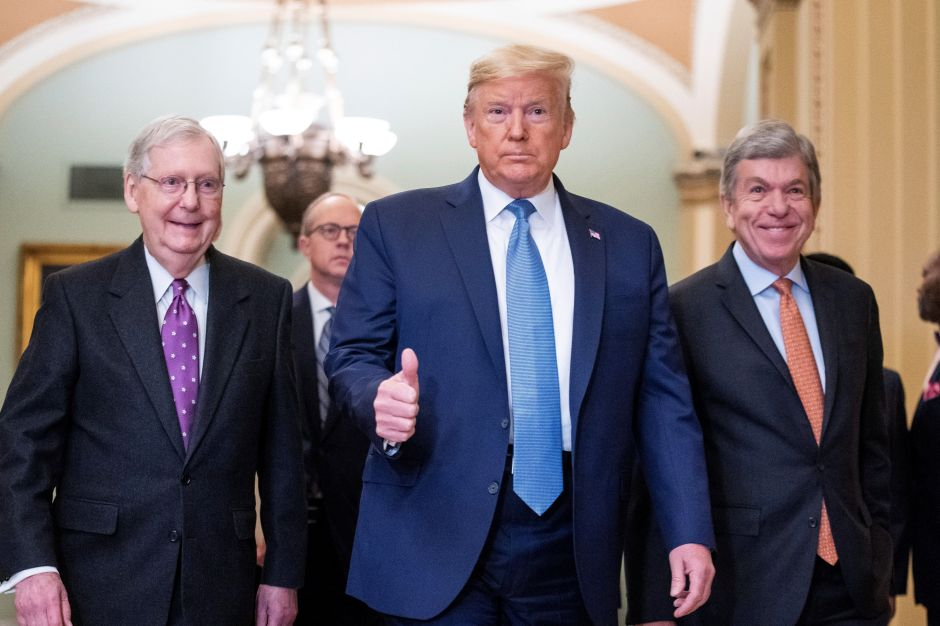 """Por qué los republicanos no piensan aprobar el """"Heroes Act"""" para una segunda ronda de cheques de estímulo"""