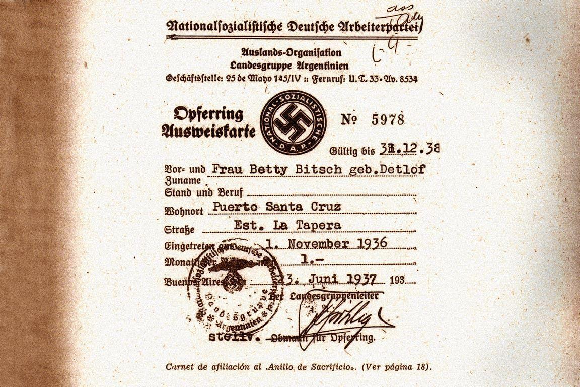 Descubren en Argentina una lista de 12 mil nazis y sus cuentas de banco en Suiza