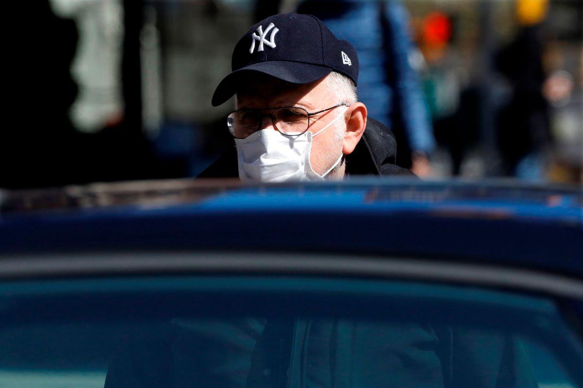 """El virus avanza como """"un tren bala"""" en Nueva York: gobernador anuncia más de 25 mil contagios y lo peor viene aún"""