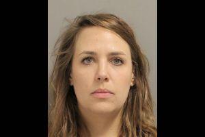 Maestra de Texas es acusada de tener relaciones sexuales con menores de 14 años