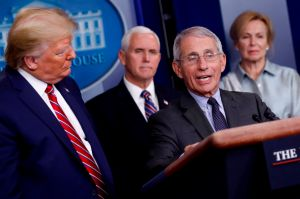 ¿Trump quiere despedir al Dr. Anthony Fauci, el máximo experto en infecciones contra coronavirus?