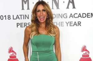 'Destruyen' a Lili Estefan por 'look' de falda de colores