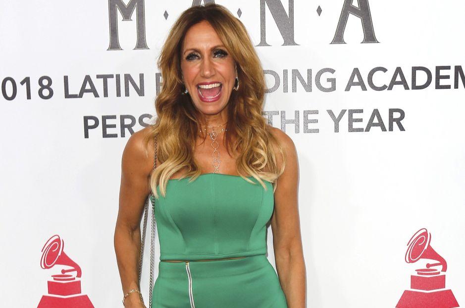 """Lili Estefan vuelve a recibir críticas por vestir moderno y aseguran que """"Hace payasadas de chamaquita"""""""