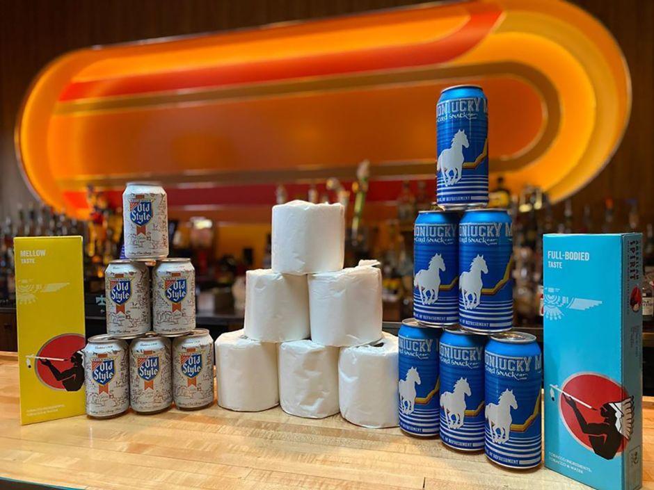 Bar de Arizona ofrece promoción de papel higiénico y bebidas por el coronavirus