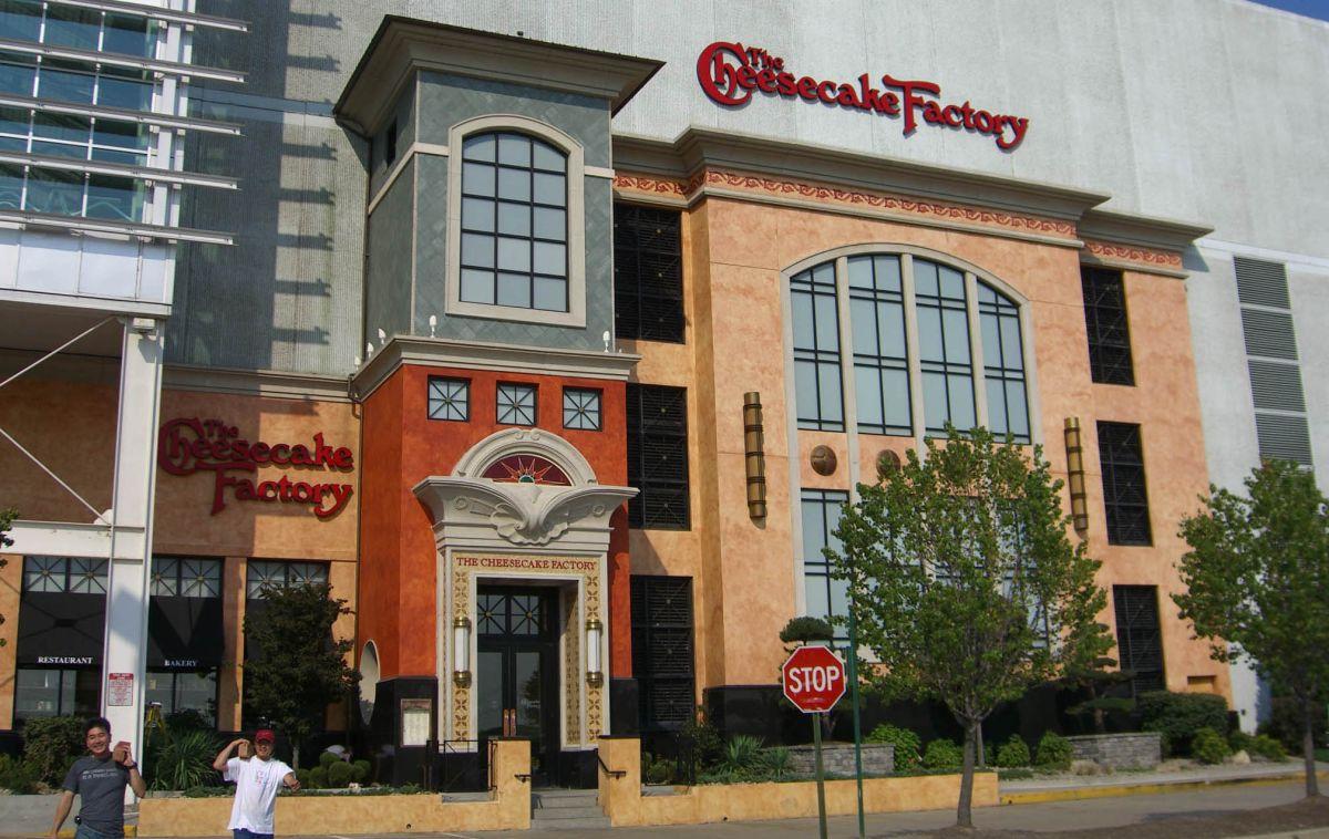 The Cheesecake Factory anuncia que dejará de pagar alquileres a partir del 1 de abril
