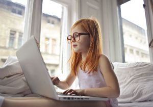 Una empresa ofrece cursos gratis para que tus hijos aprendan mientras las escuelas están cerradas
