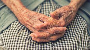 Se cura del coronavirus una mujer de 90 años que estuvo cerca de morir