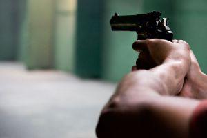 Hombre llama por teléfono a su esposa para que escuche cómo mata a balazos a las hijas de ambos en Oklahoma