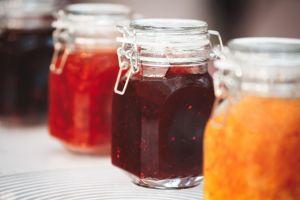 Deliciosos productos y conservas caseras para preparar durante la cuarentena