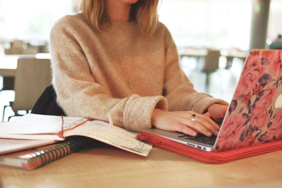 5 laptops por menos de $400 para que tus hijos hagan todas las tareas y proyectos en la casa