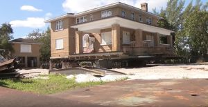 Expectación por el traslado de una histórica mansión de Miami a un nuevo lugar