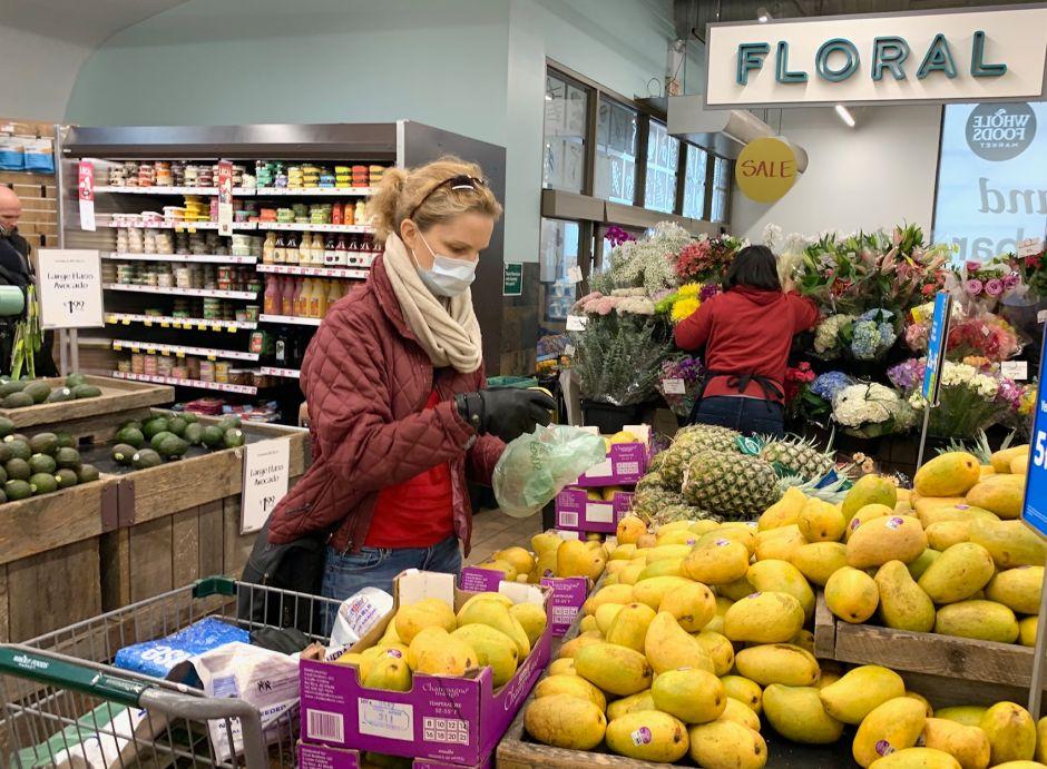 ¿Cuáles son los únicos negocios 'esenciales' abiertos en NY por crisis del coronavirus?
