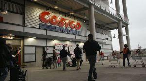 Tremenda pelea en Costco por el coronavirus termina con la policía interviniendo