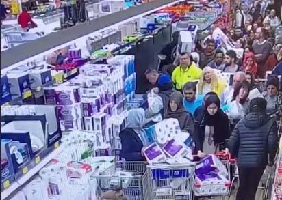 Estampida de clientes en tienda Aldi en Australia por papel sanitario en medio de crisis por coronavirus