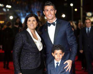El edificio mansión de Cristiano Ronaldo en su ciudad natal donde se protege del coronavirus