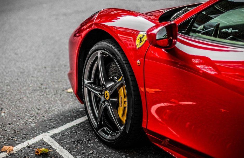 Ferrari cierra plantas de Italia por Coronavirus