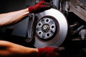 Cuándo se debe cambiar el sistema de frenos de un auto