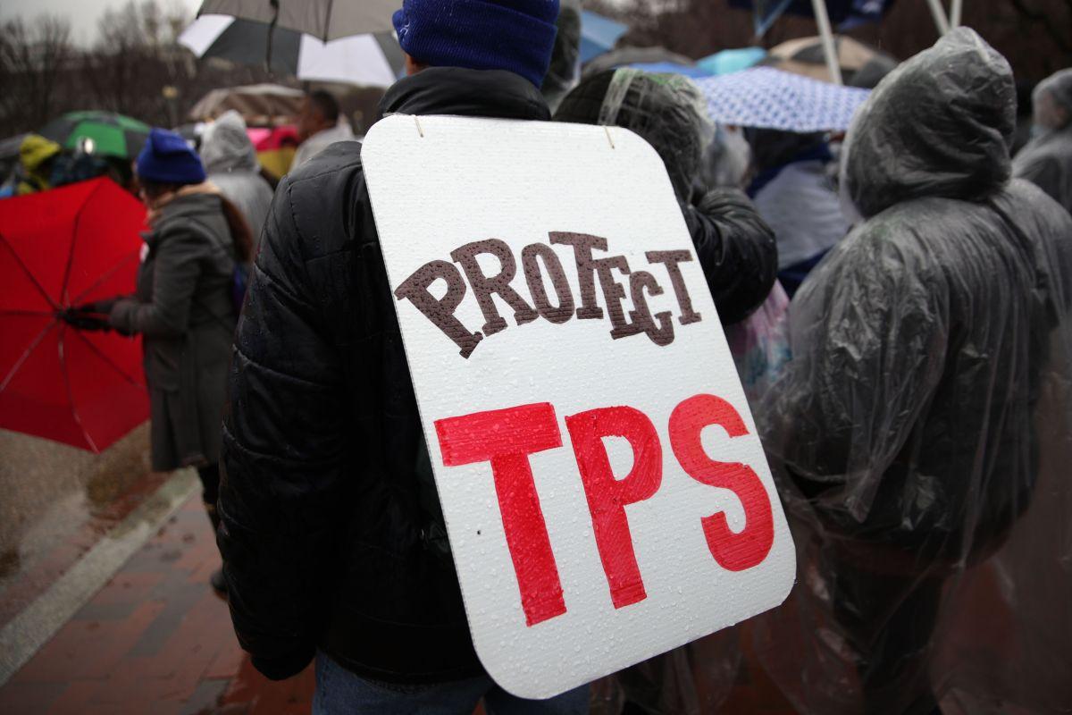 Demandan investigar fines electorales de Trump en su empeño por eliminar el TPS