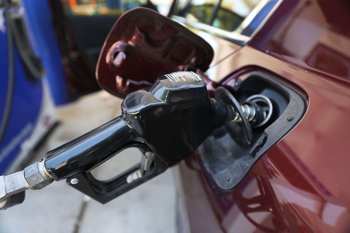 Cada vez más personas son víctimas de estafa cuando pagan gasolina usando su tarjeta de crédito