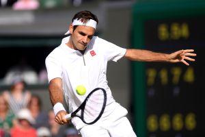 Contra nieve y cuarentena, Roger Federer ejecuta golpes de fantasía en casa para mantenerse en forma