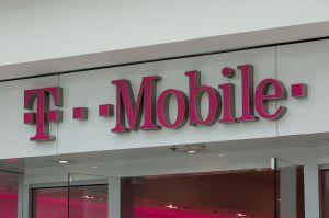 T-Mobile ofrece un plan de $15 dólares para conectar a sus clientes durante la pandemia del coronavirus