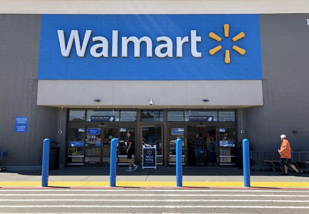 Walmart aumenta el sueldo a decenas de miles de sus empleados