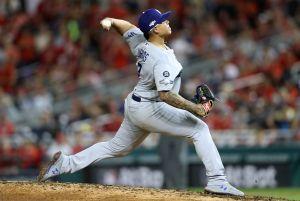 Julio Urías se perfila como abridor en la rotación de los Dodgers