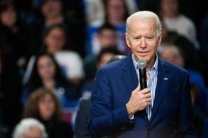 """Biden califica de """"codiciosas"""" a grandes empresas que toman dinero de ayuda por coronavirus"""