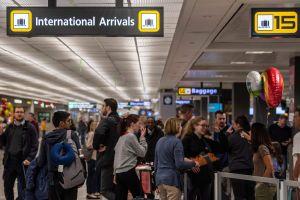 Estados Unidos amplía las restricciones de viaje desde Reino Unido e Irlanda a partir de la medianoche de este lunes