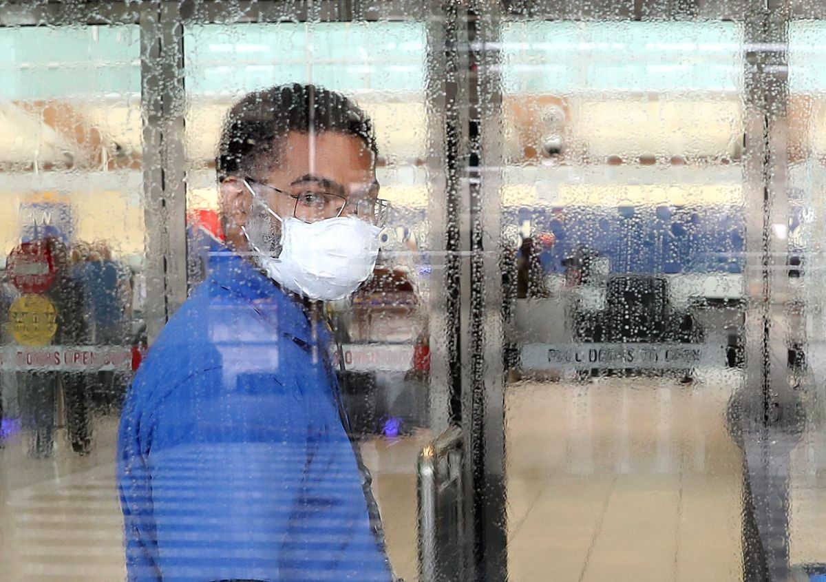 Medical and nursing staff ask for extreme precautions due to coronavirus on Thanksgiving Day