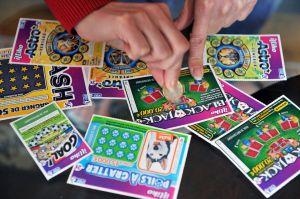 Futuro papá gana premio de $1 millón en la lotería