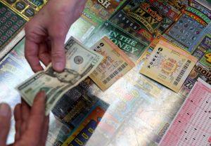 Jugador de Iowa reclama un premio de Powerball de $1 millón del sorteo del año bisiesto