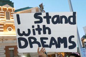 Republicanos quieren que ley migratoria otorgue ciudadanía solamente a 'dreamers'