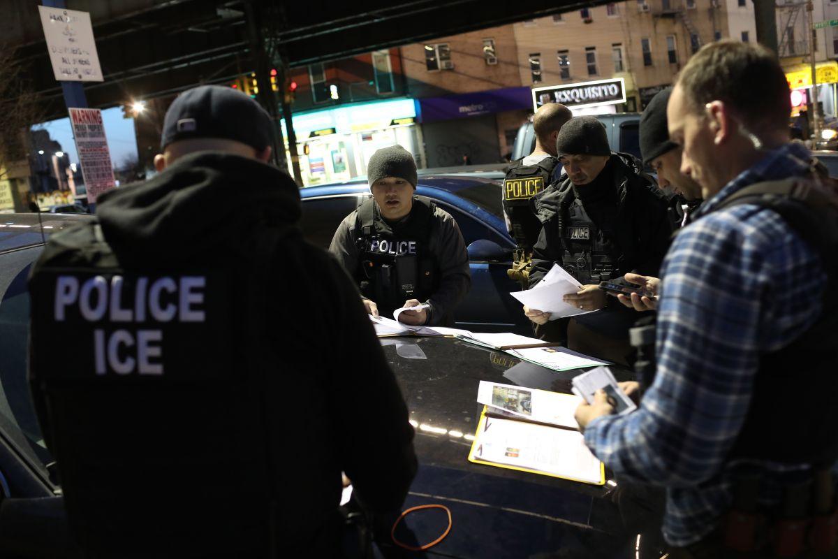 ICE rastrearía a inmigrantes a través de sus celulares
