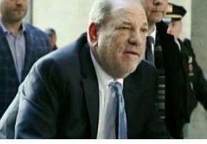 Harvey Weinstein ya está en la cárcel, pese a deseo de seguir hospitalizado