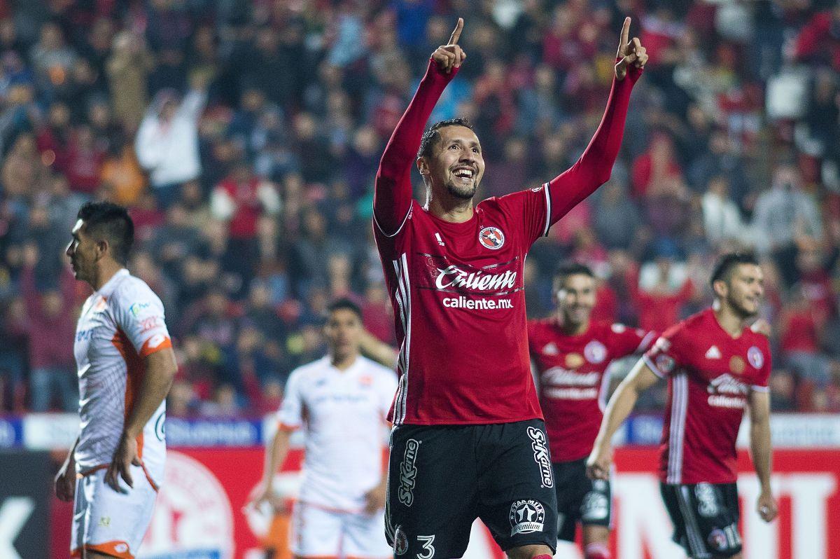 Tras la lesión en las cervicales que lo retiró hace tres años, Yasser Corona volvió a practicar el fútbol en tiempos de coronavirus