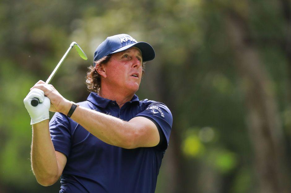 Busca revancha con distancia social: Phil Mickelson quiere nuevo duelo con Tiger Woods en plena crisis por el coronavirus