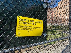 En NYC la gente no hace caso: registran mercado abierto y decenas de personas en Union Square Park
