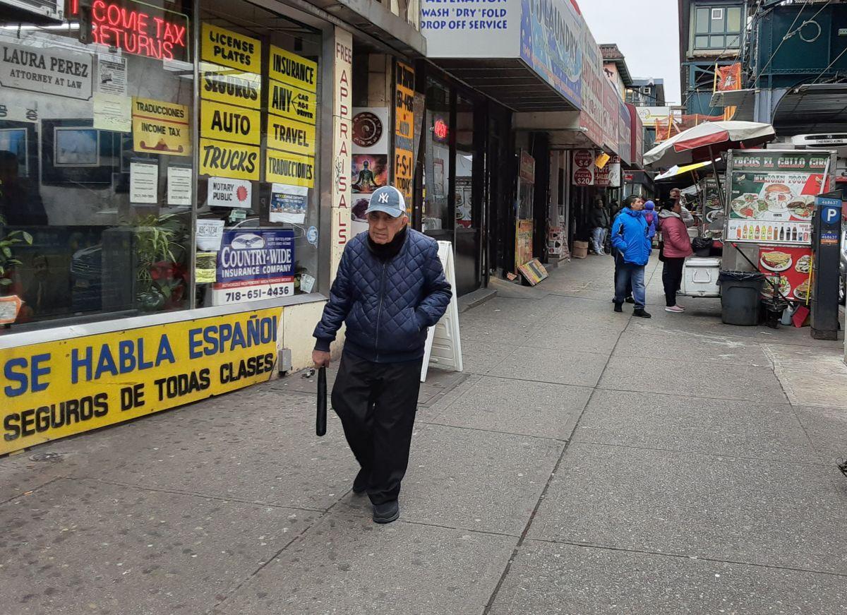 Organizaciones de base comunitaria siguen en contacto con comunidades inmigrantes.