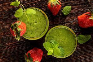Poderoso jugo verde de manzana y apio para bajar de peso y combatir el estreñimiento