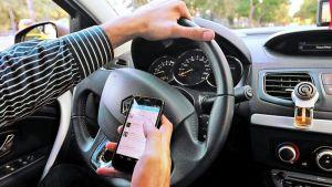 La app con la voz de tu mamá que te recuerda no usar el teléfono mientras conduces