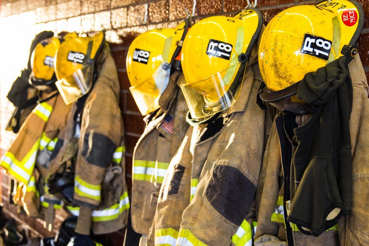 76 bomberos en cuarentena por coronavirus en el norte de California