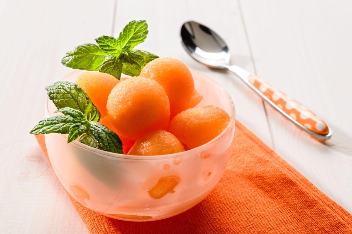 Las bondades del melón para bajar de peso y dormir mejor