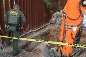 Fotos: Hallan narcotúnel que pasaba por debajo de muro fronterizo en Arizona