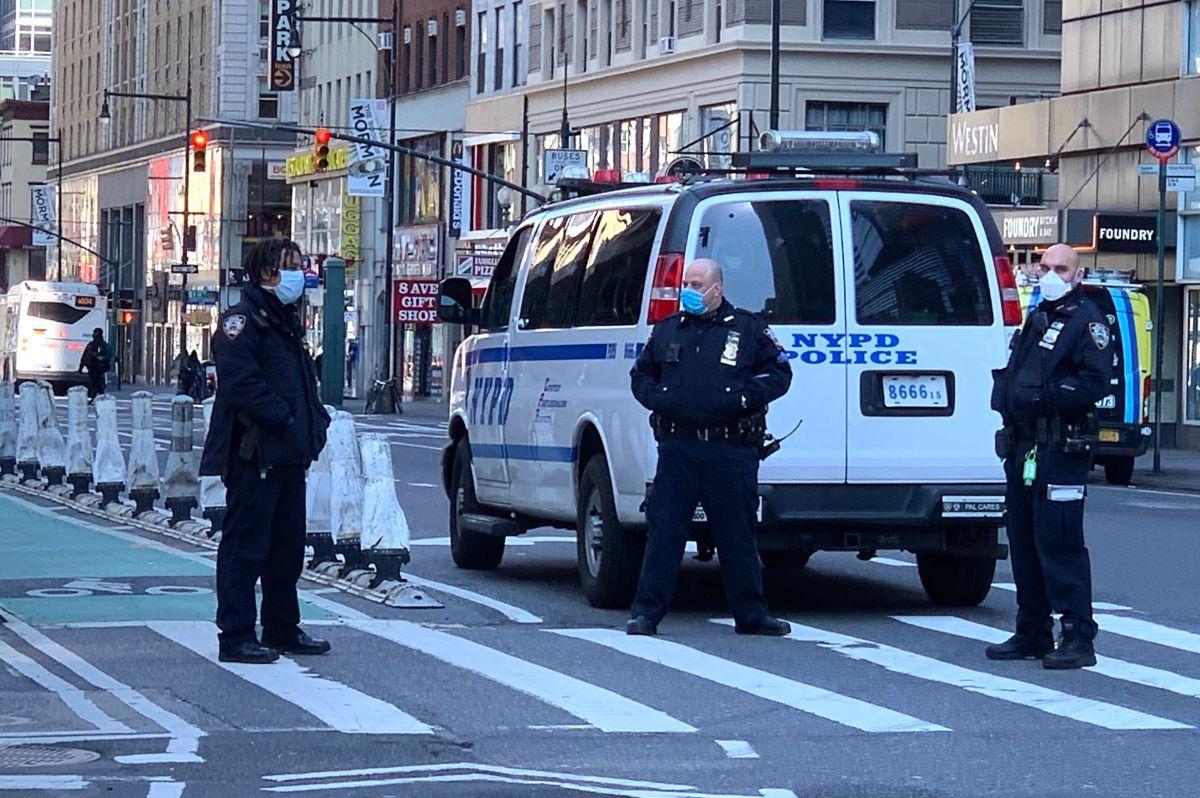 NYPD enviará 600 policías a las calles para reforzar el distanciamiento social por coronavirus